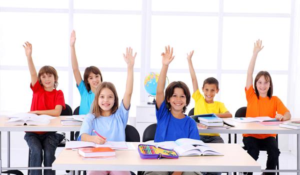 Малоимущим школьникам возвратят деньги за аттестаты и экзамены