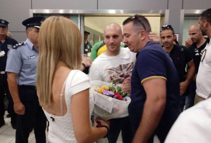 Кипрский полицейский вернулся домой после двух месяцев лечения в Израиле
