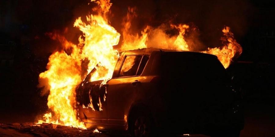 За ночь в Лимассоле сгорели три автомобиля - Вестник Кипра