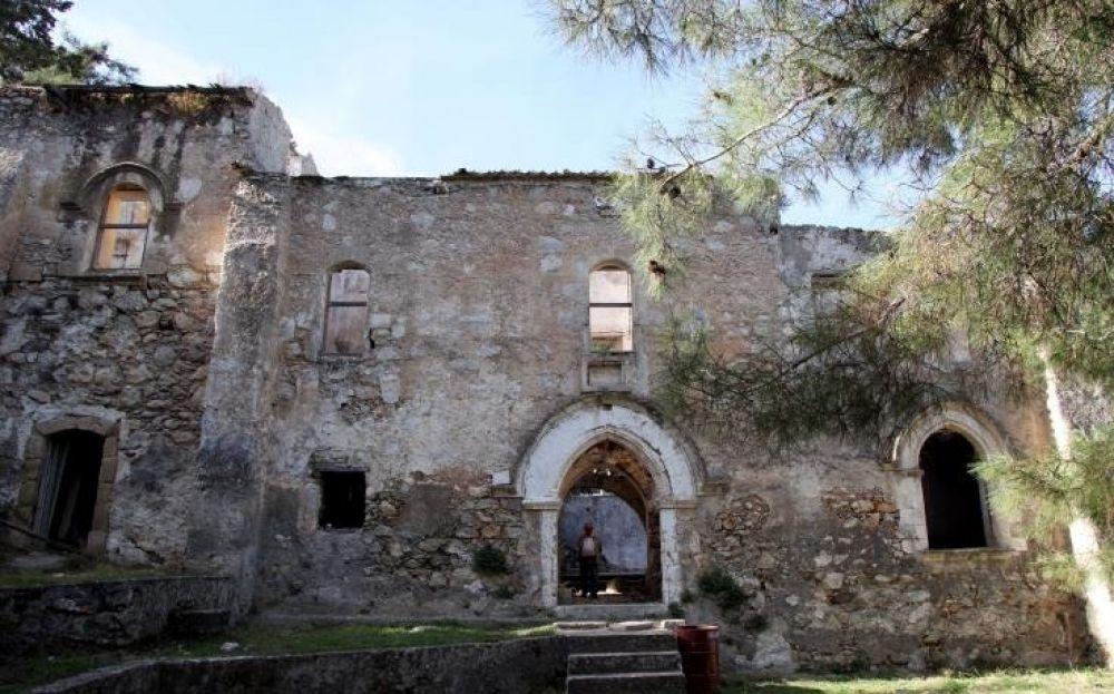 Вечеринка в заброшенном монастыре - Вестник Кипра