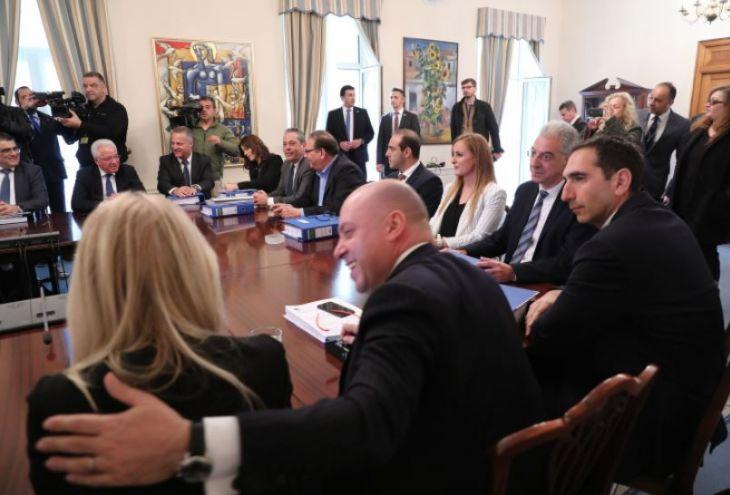 С 1 марта президент Кипра и министры подняли себе зарплаты