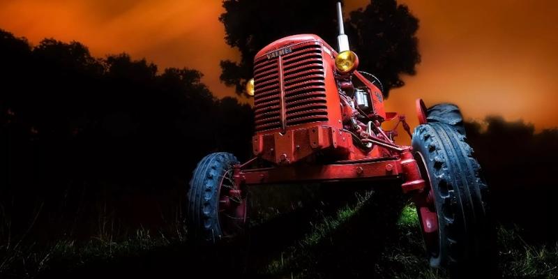 На Кипре трактор раздавил тракториста
