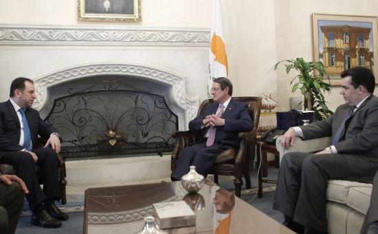 Кипр и Армения будут сотрудничать в военной сфере - Вестник Кипра