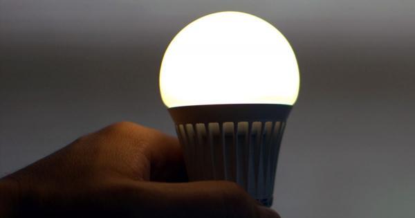 На Кипре можно сэкономить на электричестве 10 евро с одной LED-лампочки