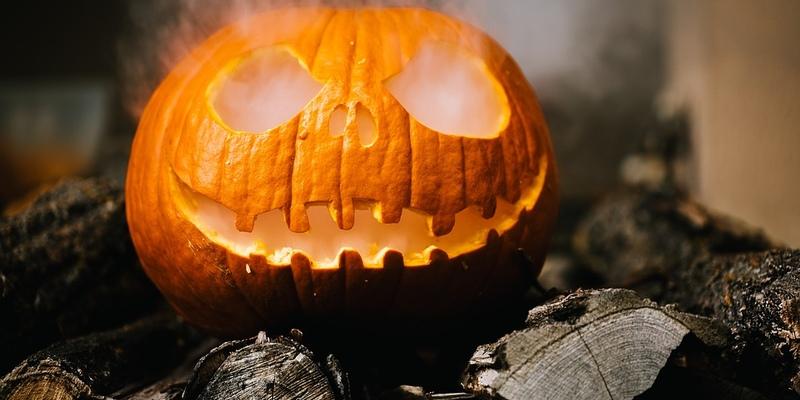 Специальная Хэллоуин-выставка от мастера темных искусств Пола Пабло Тиммса